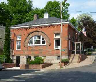 136_Main_Street,_Collinsville,_Canton,_CT